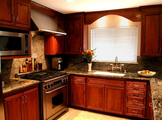 Cabinet restoration experts kitchen makeovers inc for Renew it kitchen cabinets